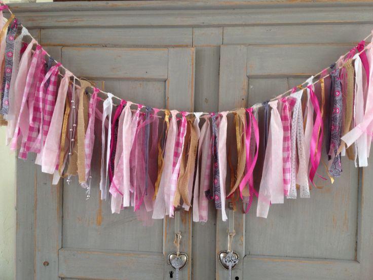 Roze Slingerlijn, Pink Garland, mogelijk in verschillende kleuren en lengtes. Ook leuk te combineren met een vlaggenlijn