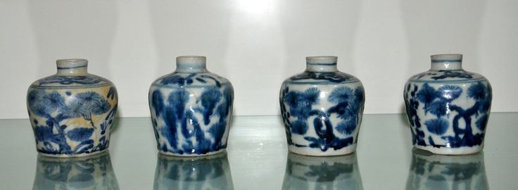 "4 pcs of Swatow Blue and White Jarlets ""Three Friends of Winter"""