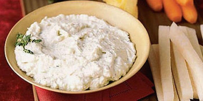 Patê de pepino com cream cheese.
