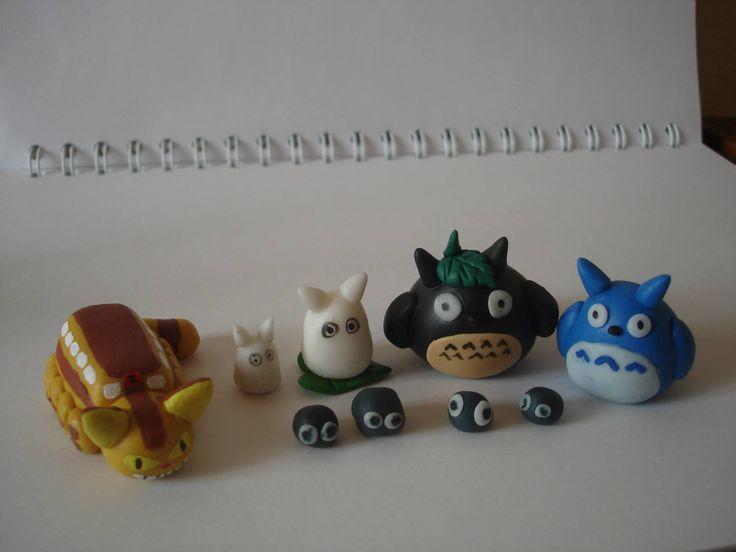 Gatobus y Totoros en Porcelanicron. Polymer clay catbus and Totoro