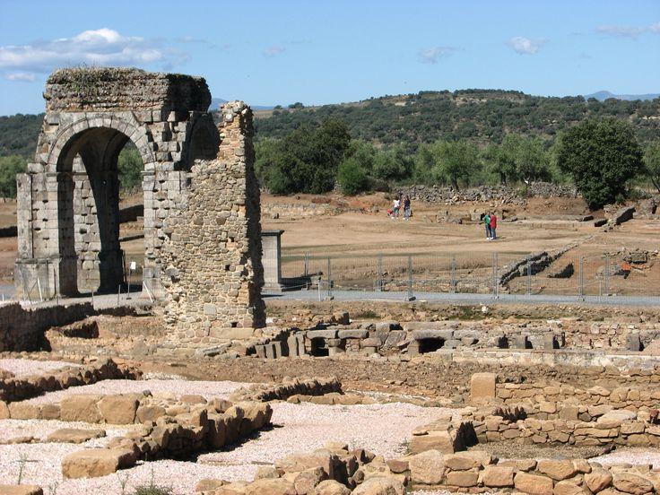 Excavaciones en Cáparra.