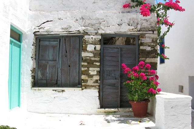 TINOS: villages and food. The ultimate guide to the best Greek islands: from big-hitters Santorini, Crete and Rhodes to little-known gems Astypalea and Tinos