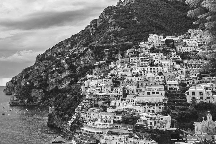 Engagement Destination • Photography Inspiration • Positano • Amalfi Coast | By Enrico Capuano, professional wedding photographer in Italy www.amalficoastwedding.photos