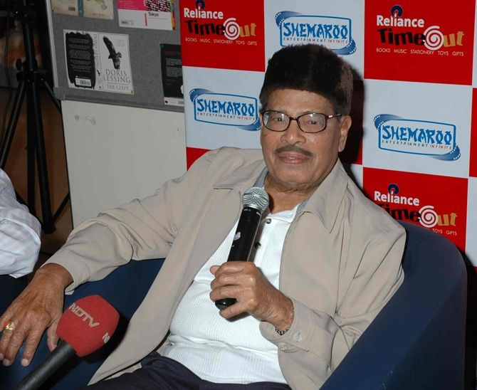 Veteran singer Manna Dey, who breathed his last in Bengaluru earlier this morning, was an artist par excellence and had many admirers in the Hindi and Bengali film industry.
