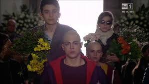 Il gruppo va al funerale di Davide