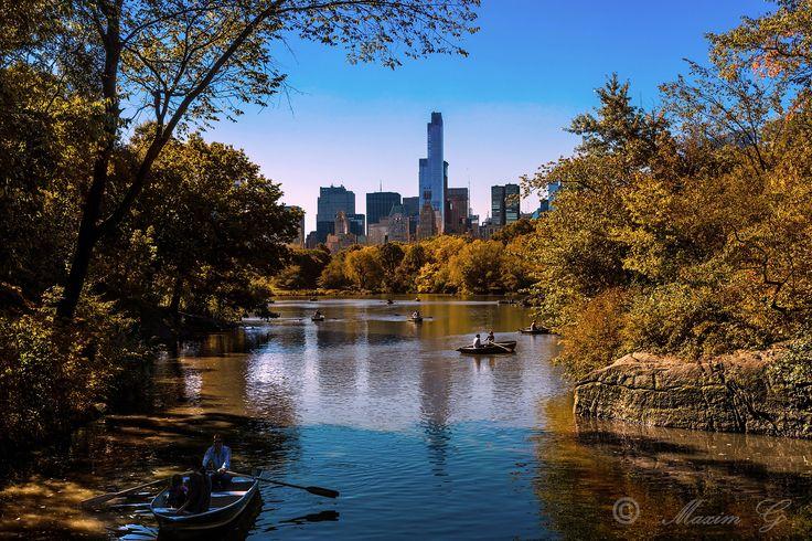 #newyork, #centralpark, #lake, #skyscrapers, #boats, #US, #photography #travelphotography