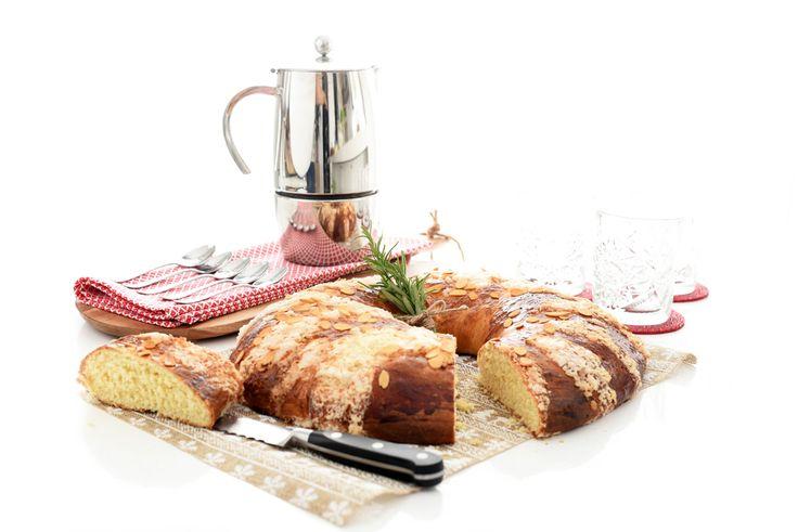 Receta de Roscón de Reyes del libro básico de Thermomix®, una receta oficial de roscón que seguro que hace las delicias de todos los miembros de la casa.