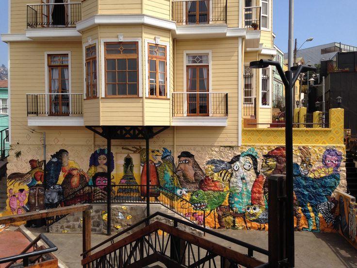 Salida del ascensor Reina Victoria, Cerro Alegre, Valparaíso.