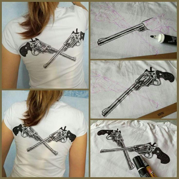 Револьверы. Рисунок на футболке.