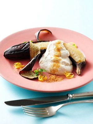 【ELLE a table】【B型向け】焼きバナナの黒糖リコッタチーズかけレシピ|エル・オンライン