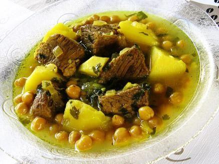 מרק תפוחי אדמה עם חומוס ובשר