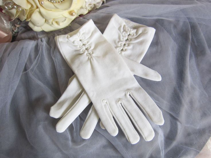 Vintage 1950's White wedding gloves, White gloves, retro wedding gloves, formal evening gloves, bridal gloves rockabilly glamour style, prom by thevintagemagpie01 on Etsy