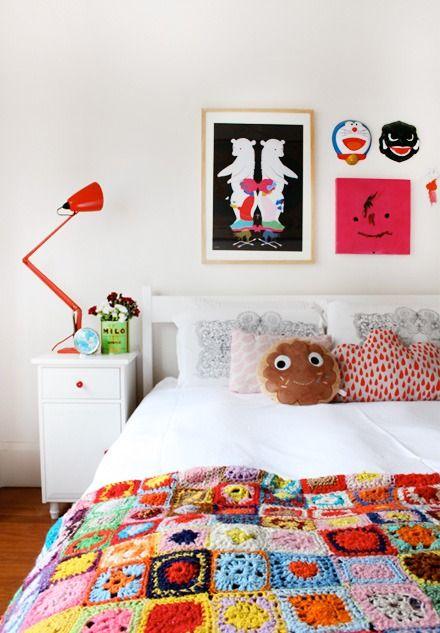 QuartoCrochet Blankets, Kids Bedrooms, Beds, Colors, Kids Room, Kidsroom, Girls Room, Granny Squares, Knits Blankets