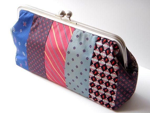 Pochette in tessuto realizzata con il riciclo delle cravatte   Pochette made with upcycling men's ties • #tie #ties #DIY #recycle