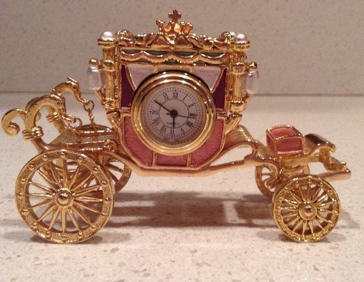 Miniature Carriage Clock Gold, Pink, Purple Magnetic Mini Cinderella Coach Buggy