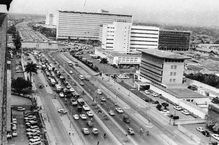 Suasana di sekitar Bunderan HI tahun 1970-an