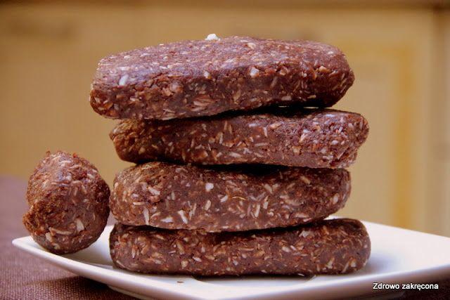 Zdrowo zakręcona: Najlepsze surowe czekoladowo-kokosowe batony ever. Tylko 4 składniki!