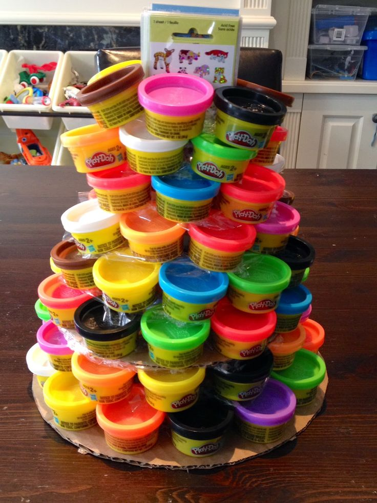 Less is more, more or less: Simple Kindergarten Classroom Birthday Idea: Play-Doh Layer 'Cake'