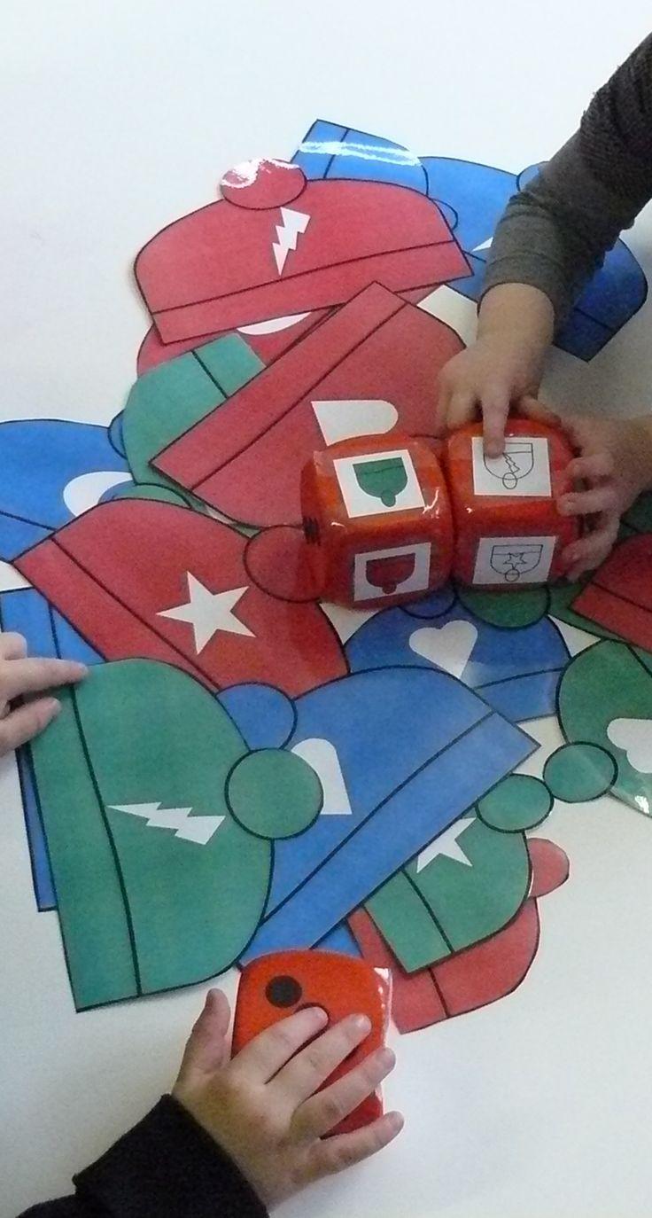 Begeleide of zelfstandige activiteit - Logiset: Mutsen Voor kerstmis doen met kerstballen