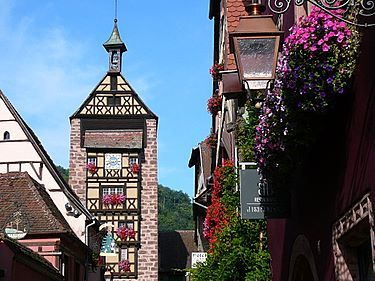 At the highest point of the village the old medieval Dolder tower protects the village of Riquewihr for more than 7 centuries...