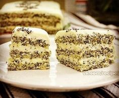 Маково-творожный диетический торт На 100 гр - 105.14 ккал белки - 10.54 жиры - 5.26 углеводы - 3.34 Ингредиенты: творог обезжиренный 300 г 6 яиц отруби овсяные 3ст л Отруби пшеничные 3 ст. л. мак 30 г лимон стакан обезжиренного молока стевия по вкусу Приготовление: 1. Три яйца и три белка взбиваем 5 мин. До густой пенки. 2. Мак и отруби смешать и добавить к яйцам, перемешать. 3. Добавить стевию, перемешать. 4. Выливаем массу на небольшой противень, застеленный пергаментн...