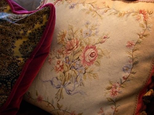 51 best Pillow talk images on Pinterest   Pillows, Accent pillows ...