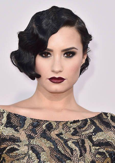 Demi Lovato, radiante con ondas al agua