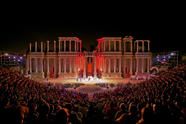Live a unique experience in #Spain, watching a play in an authentic #RomanTheater, a #WorldHeritage Site by #UNESCO bit.ly/1AIbg64