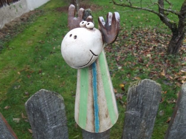 Elch zaunhocker von tongestalten auf keramik for Gartenfiguren aus keramik