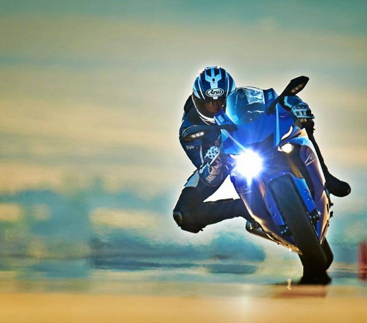In #RWorld the track is a canvas and you're the brush. Yamaha YZF-R6. (Link in Bio) #yamaha #r6 #supersport #sportbike #art