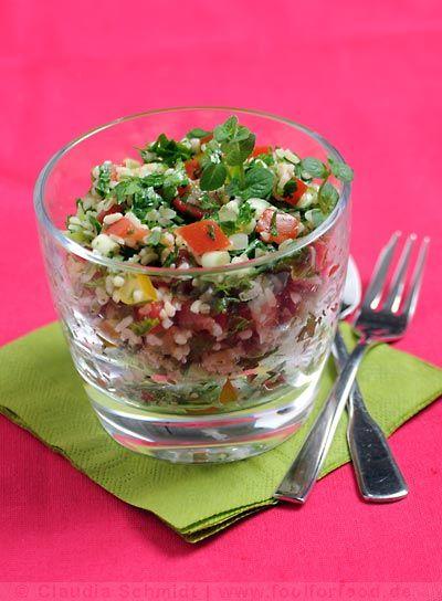 Rezept für Tabouleh - Petersiliensalat (hier serviert im Glas)