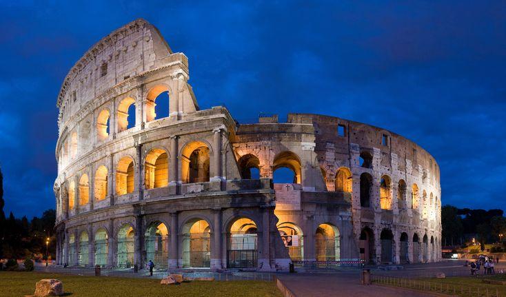 Il Colosseo di sera.