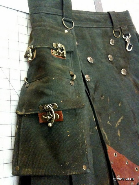 KoTD: Casual Steampunk KIlt Heavy green with AB accents and distress-work.