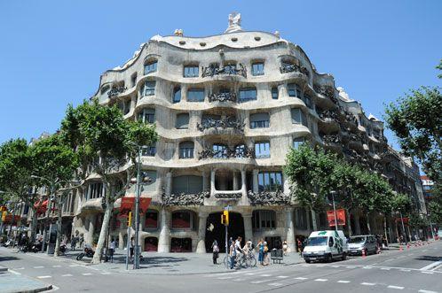 Casa Mila (La pedrera ) i Barcelona bygning af Antonio Gaudi