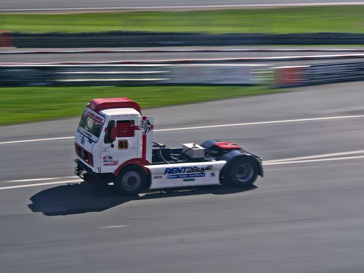 No 41 Simon Cole, Mecedes Truck, Class B at the (BTRC) British Truck Racing Championship at Brands Hatch 2016