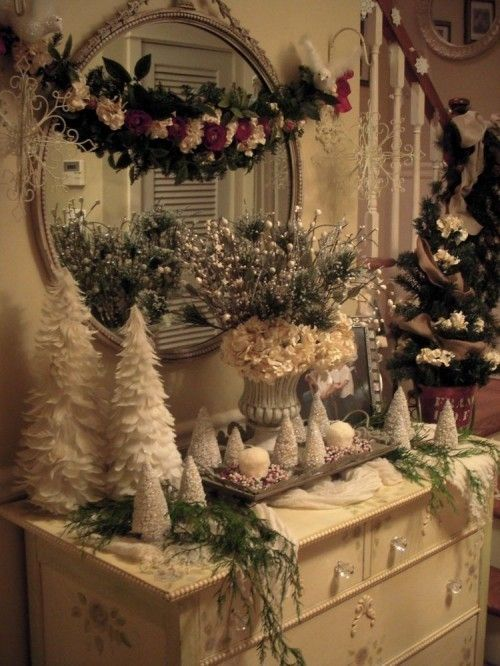 Beautiful shabby chic Christmas display: