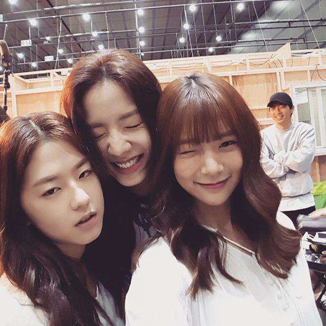 Park hye su, Ryu Hwayoung ( Ex t-ara) y Han seungyeon (ex kara)