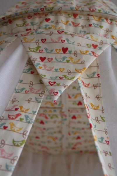 Betthimmel - Betthimmel Riley Blake Vögelchen - ein Designerstück von maralinchen-textilraum bei DaWanda