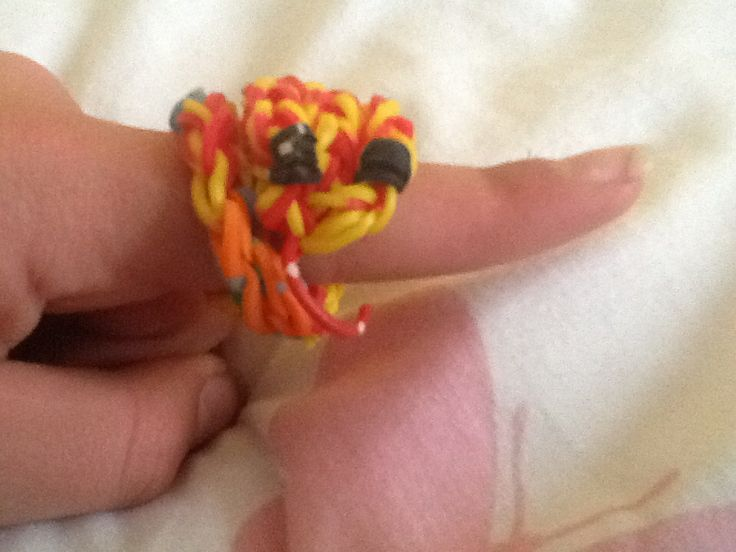 I made this and it is called a snake ring. Let me know if you would like to know how to make this.