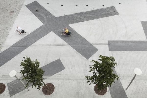 Reconversion of the city centre of Deinze by Marie-José Van Hee architecten in collaboration with Robbrecht en Daem architecten and artist Benoît Van Innis Competition: 2009 Execution: 2010-2014