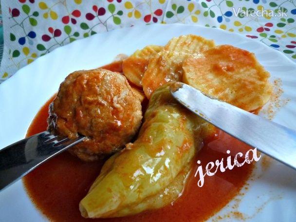 @jerica , recept mám od mojej babky , varievala takto plnenú papriku ešte keď som sa len priúčala vareniu. Nič na tom nie je , čo je aj v iných receptoch ktoré sú tu na varecha.sk , len mäsová plnka je iná , nie je s ryžou.