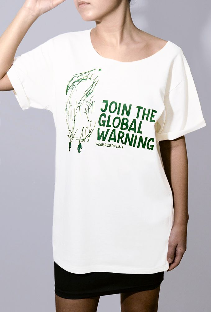 We talk a lot about global warming, but what no one says is that the fashion industry also has a major impact on the environment. The companies that produce, dye and package textiles in the emerging countries, where rules and controls are often nonexistent, misuse chemical substances and use the rivers and the environment as disposal sites, threatening the ecosystem and the health of those who live in the surrounding areas.