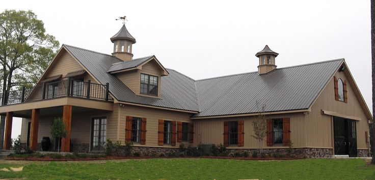 Best 25 horse barn decor ideas on pinterest horse barns for Barn shaped house