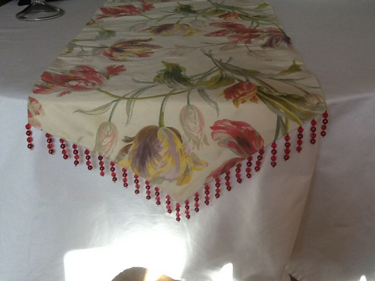 Table runner with glass bead trim