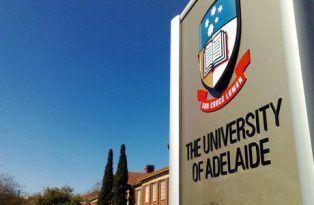 Beasiswa adalah solusi untuk mengatasi biaya kuliah yang sangat tinggi untuk kuliah di Australia