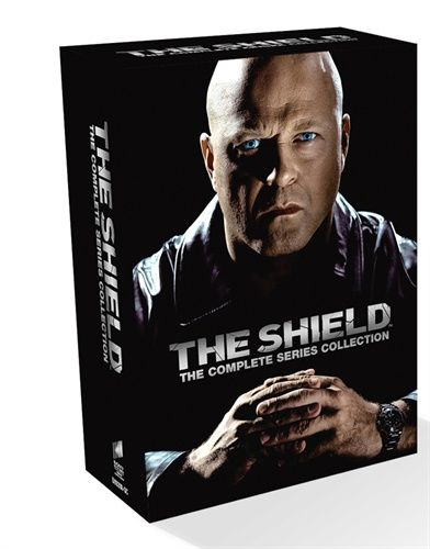 The Shield Complete Box (28 disc) 29.95€