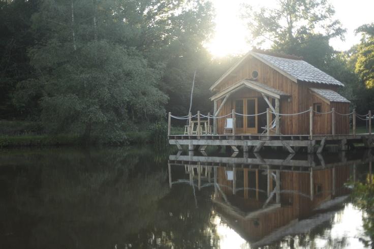 Cabane sur l'eau du Moulin de la Jarousse by Nid Perché