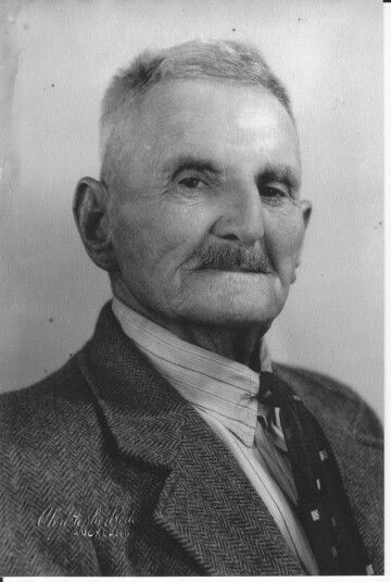 Andrija Kleskovic, my great grandpappy who married Erana Kaaka, my beautuful great grandnanny. Together they created a mighty whanau, a living testament to the aroha that has no boundaries, and how the genes of grandpappy and grandnanny have spread from New Zealand to far distant shores of other nations yet still united as a whanau by the modern day technology of FB via the internet! Awesome korero, awesome catchups and awesome photos. So much aroha for my whanau.....mmmmwah