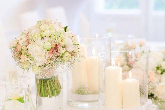 wedding, first look, love, soft, bride and groom, first moment, together, judyta marcol fotografia, fotografia ślubna, wedding photography, pierwsze spotkanie pary młodej, dodatki na ślub, pastelowe kolory, delikatne kolory, jasne, ślub w plenerze,