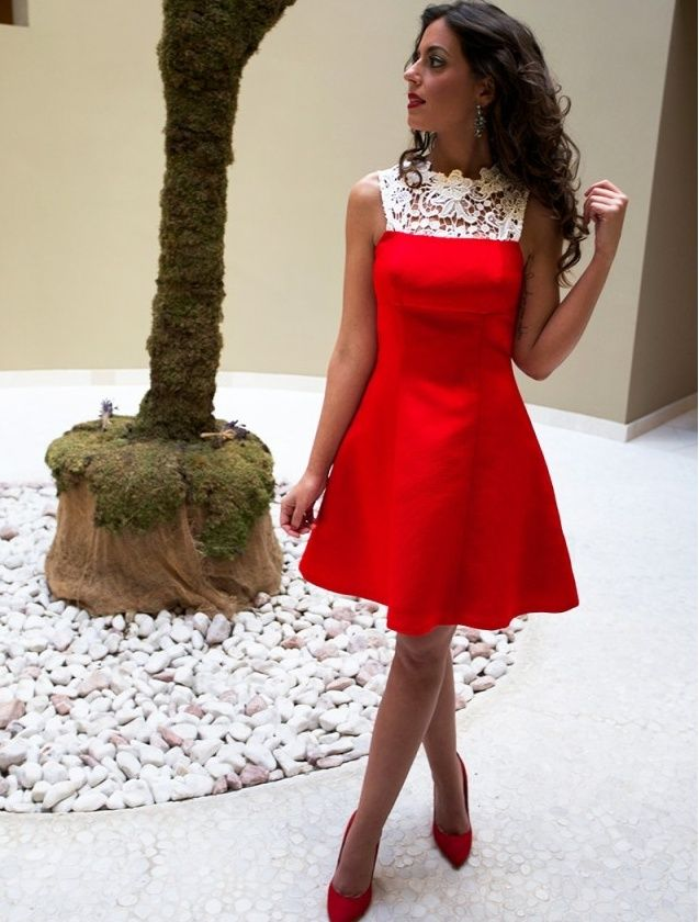 Cute Red Short Satin Homecoming Dresses with Lace 2017 A Line Jewel Party Dress for Graduation Cheap Wedding Guest Dresses